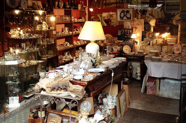 Oggetti vari al Mercato Saint Ouen