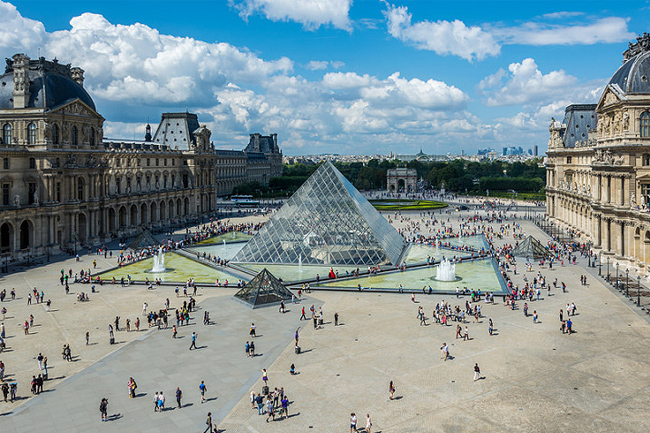 The Louvre Tour