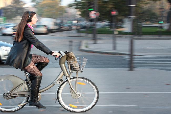 Bike sharing: Velib